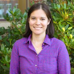 Elise Lockwood in front of Kidder Hall