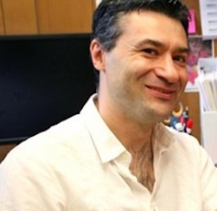 Davide Lazzati, Physics professor in office space